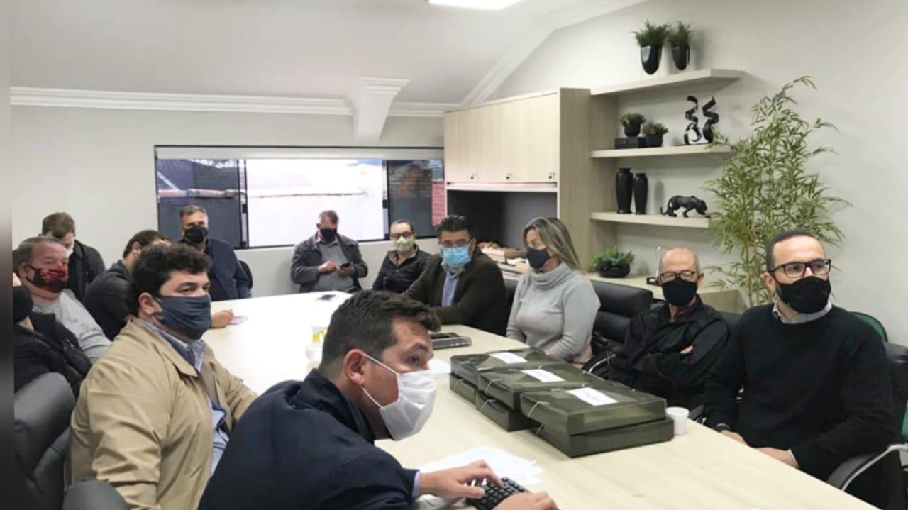 Cermoful reúne representantes das chapas e define data da eleição